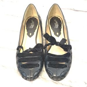 LunaRosa by Pazzo Antilles Black Leather Shoes